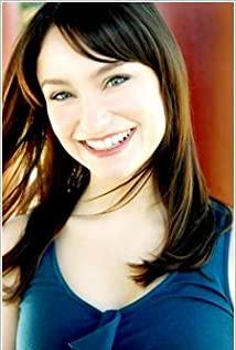 Emily Neves